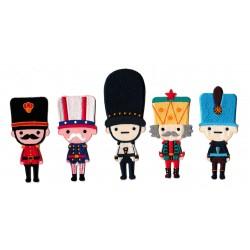 Lot de patchs écussons 5 petits soldats personnages